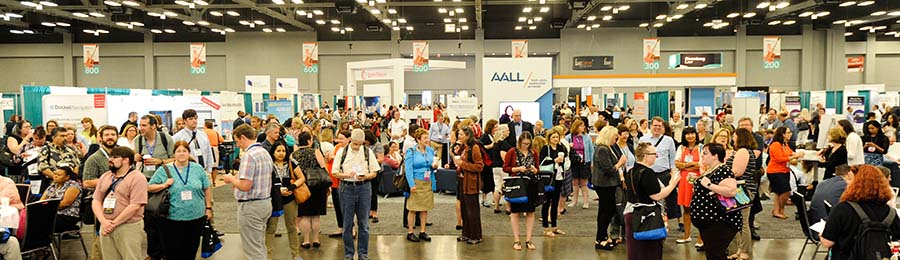 AALL 2018 attendees in the exhibit hall